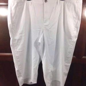 Lane Bryant sz 24 white Capri pants